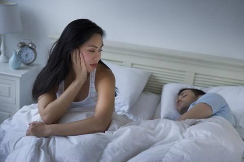 12 biểu hiện chính xác 100% đàn ông ngoại tình chị em buộc phải biết